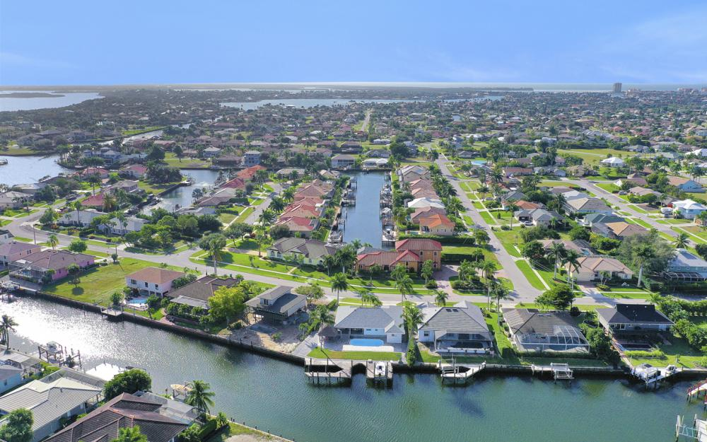 1606 Rainbow Ct, Marco Island - Home For Sale 1901583437