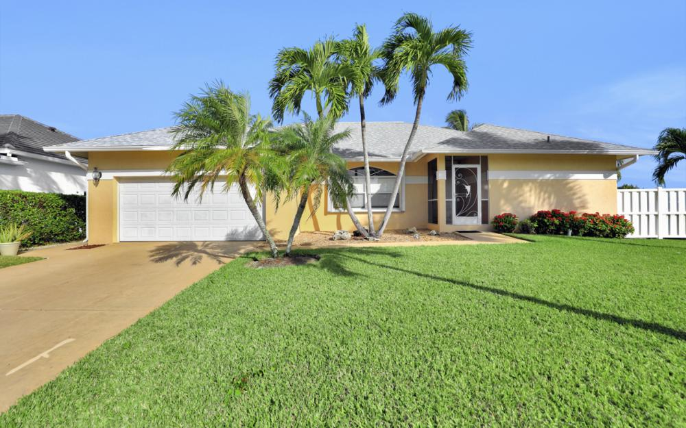 1606 Rainbow Ct, Marco Island - Home For Sale 1118109657