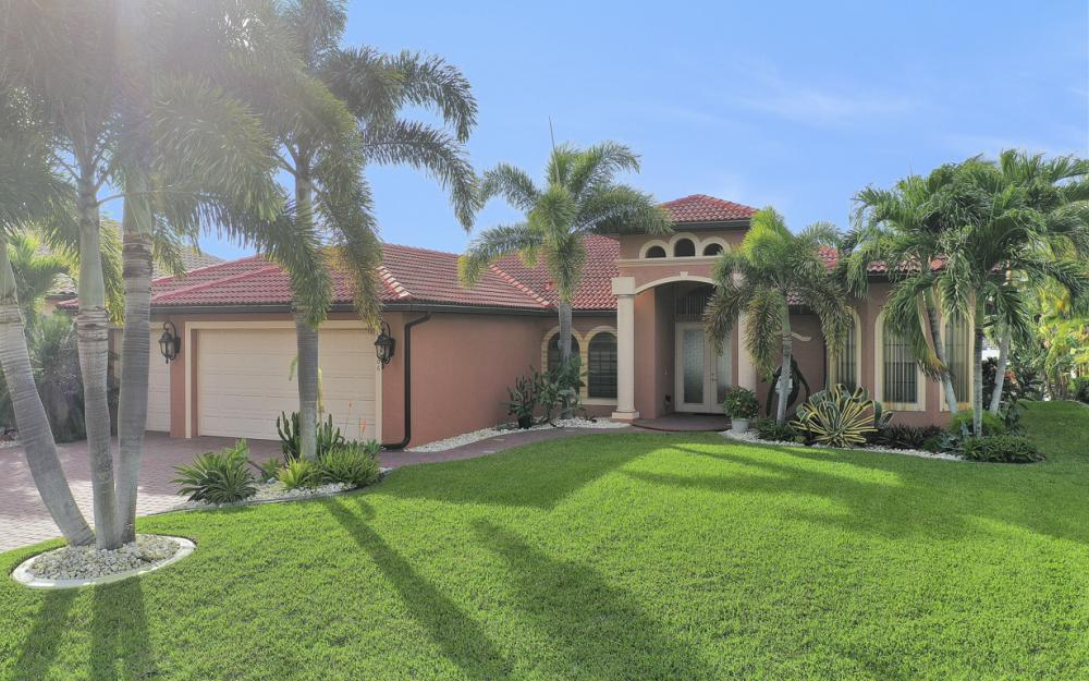 206 NW 32nd Pl, Cape Coral - Home For Sale 154710320