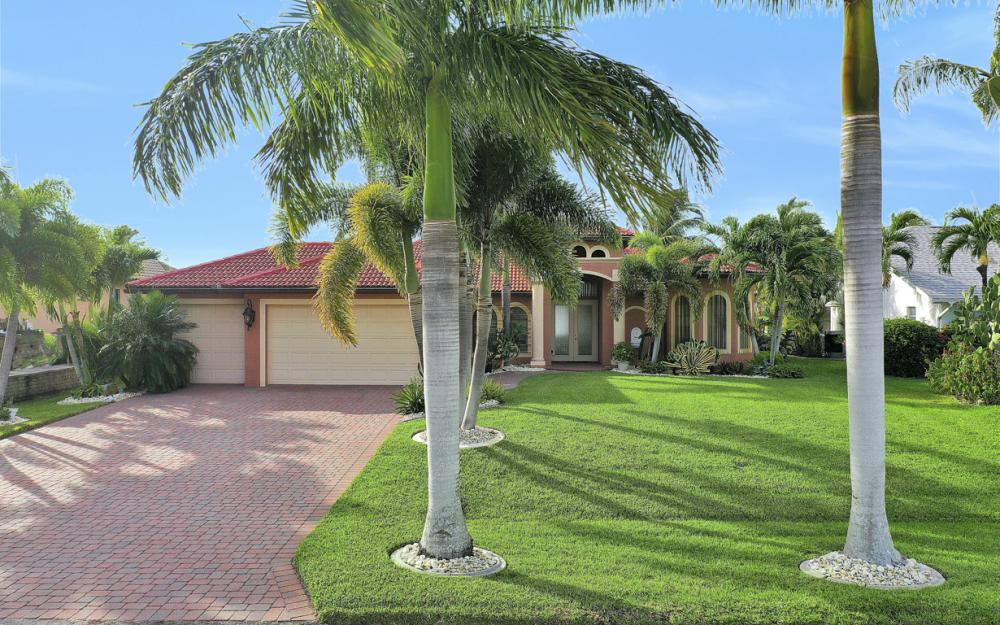 206 NW 32nd Pl, Cape Coral - Home For Sale 1867569998
