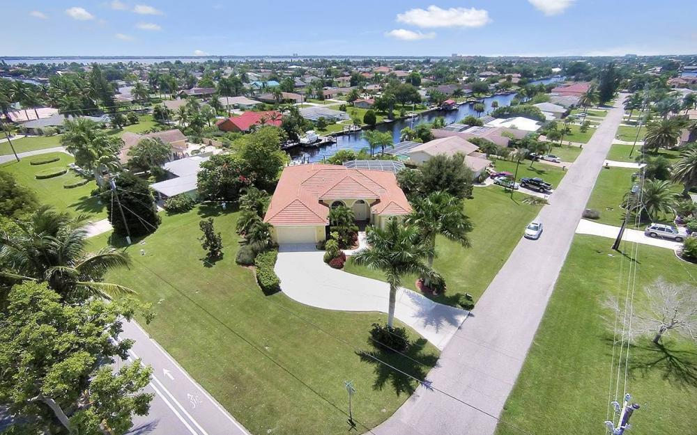 1804 Palaco Grande Pkwy, Cape Coral - House For Sale 525712661