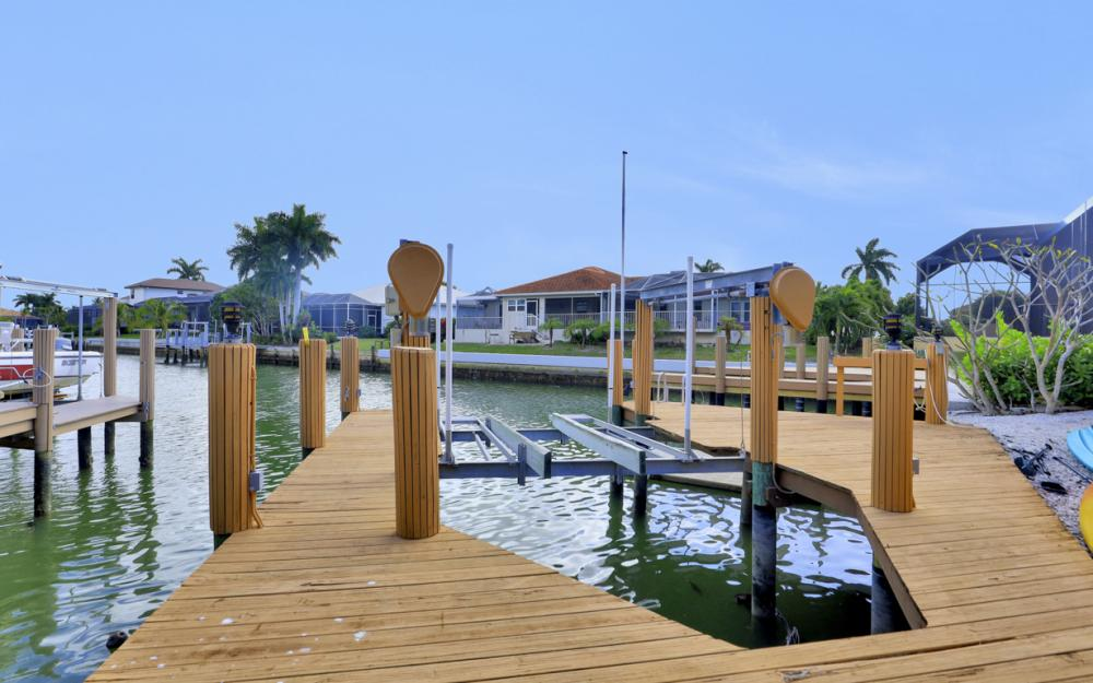 501 Shalimar St, Marco Island - Vacation Rental 2140312117
