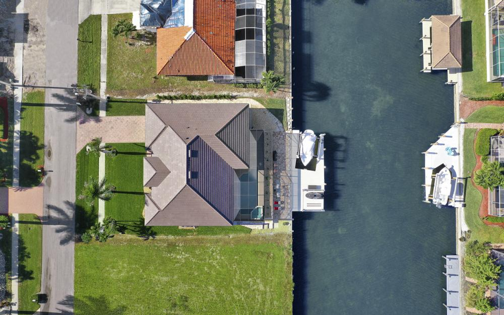920 Ruby Ct, Marco Island - Home For Sale 1004538995