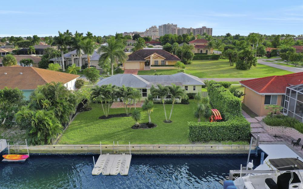 802 Dandelion Ct, Marco Island - Home For Sale 262824729