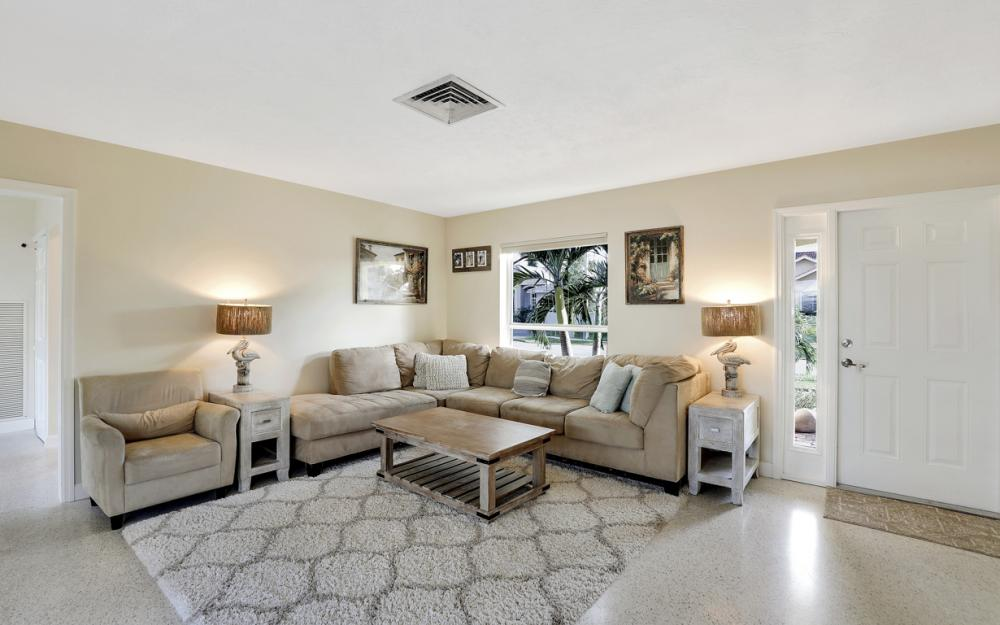 802 Dandelion Ct, Marco Island - Home For Sale 281959544