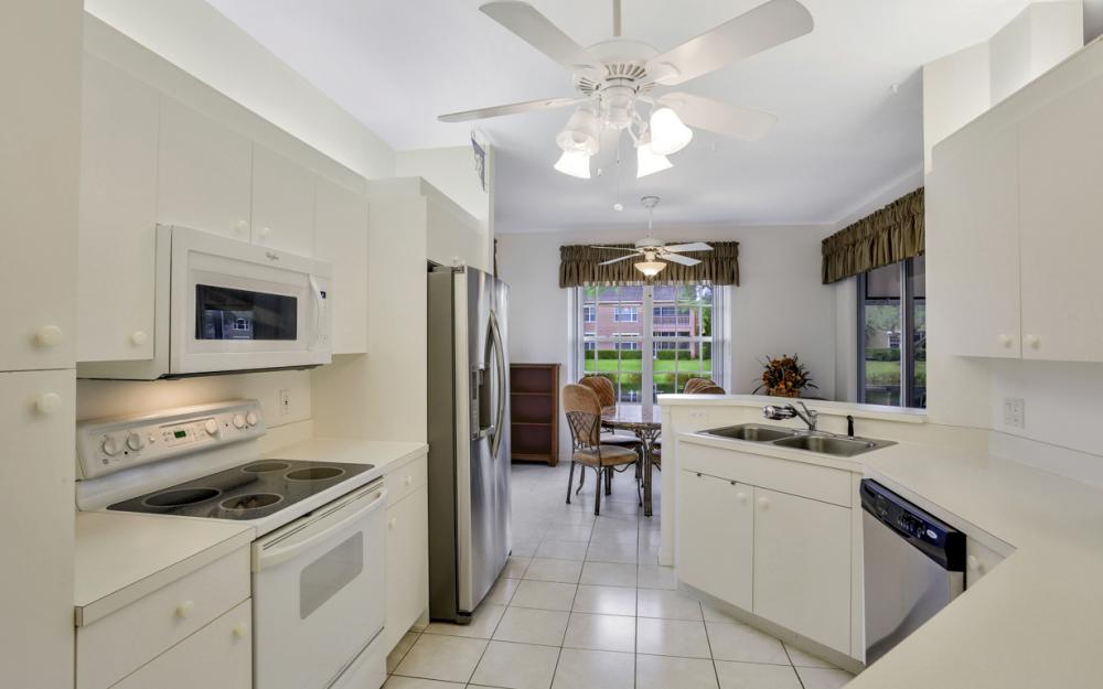 14600 Glen Cove Dr #301, Fort Myers - Condo For Sale 1013493309