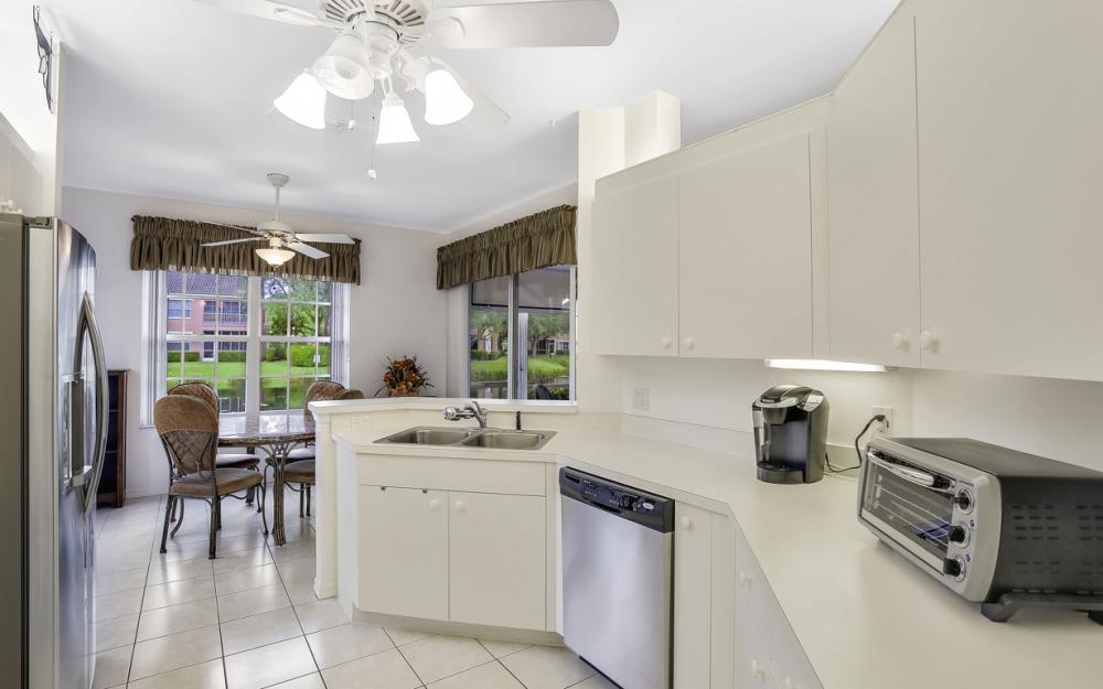 14600 Glen Cove Dr #301, Fort Myers - Condo For Sale 1751130966
