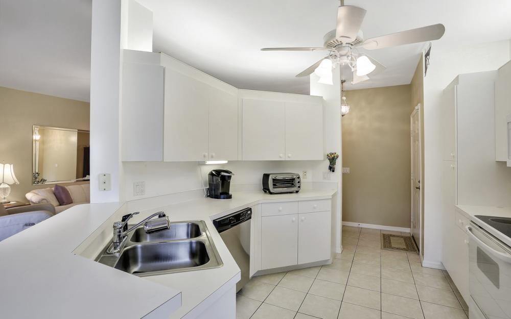 14600 Glen Cove Dr #301, Fort Myers - Condo For Sale 46824781