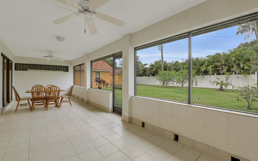 325 SE 21st Ave, Cape Coral - Home For Sale 1351936552