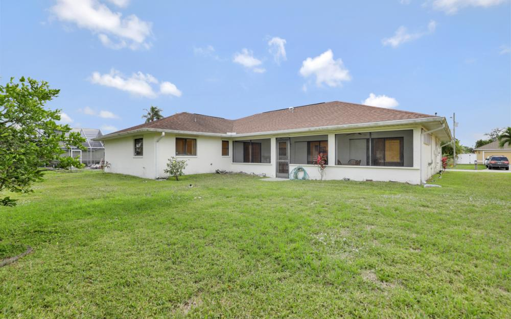 325 SE 21st Ave, Cape Coral - Home For Sale 1214525621
