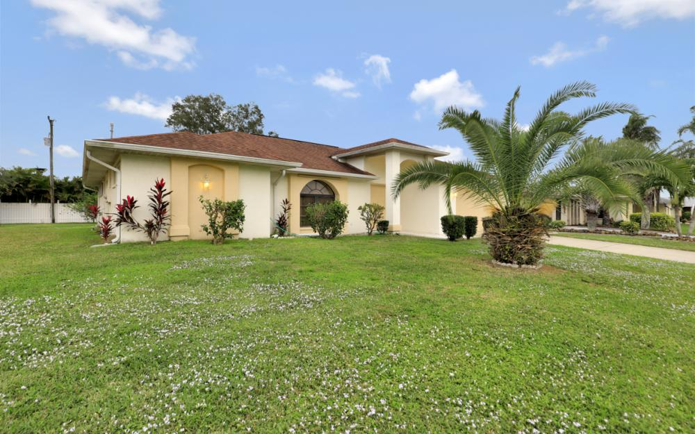 325 SE 21st Ave, Cape Coral - Home For Sale 1348366213