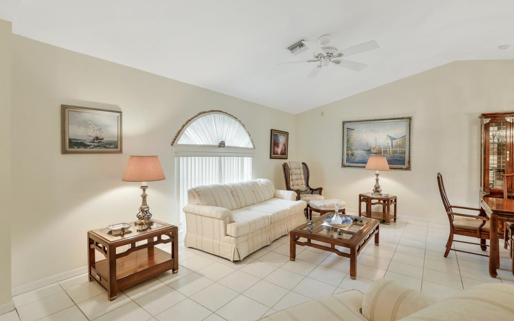325 SE 21st Ave, Cape Coral - Home For Sale 262901839