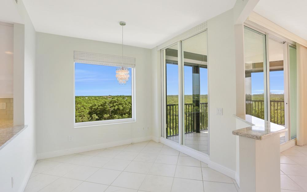 425 Cove Tower Dr #601, Naples - Condo For Sale 790838054