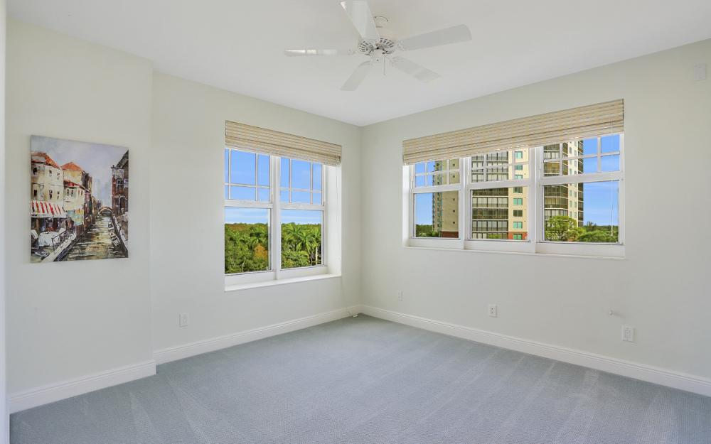 425 Cove Tower Dr #601, Naples - Condo For Sale 821928045