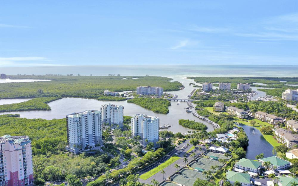 425 Cove Tower Dr #601, Naples - Condo For Sale 882571688
