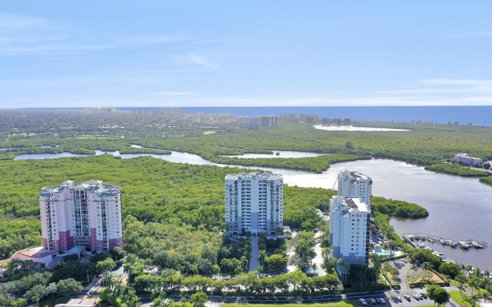 425 Cove Tower Dr #601, Naples - Condo For Sale 214886932