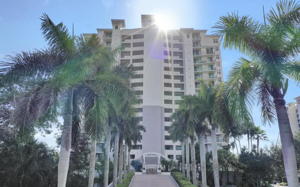 425 Cove Tower Dr #601, Naples - Condo For Sale 2053557290