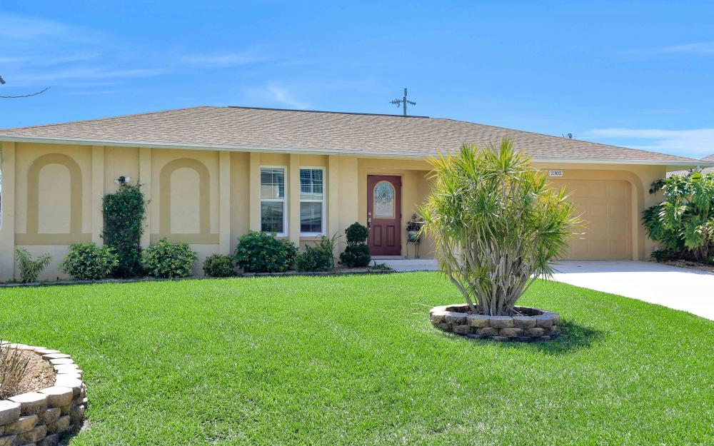 2302 SW 53rd Ter, Cape Coral - Home For Sale 1785221209