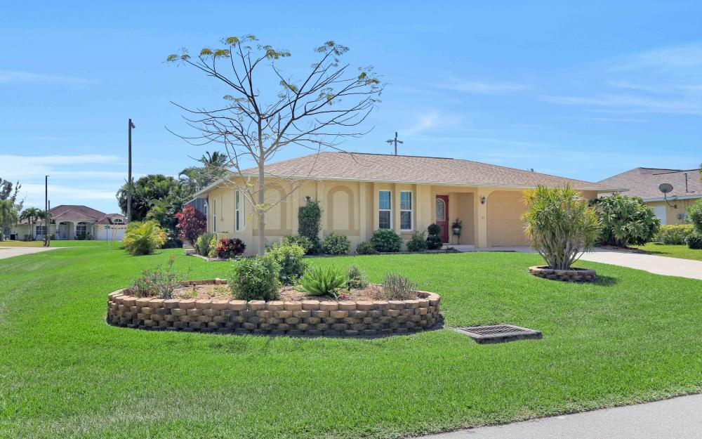 2302 SW 53rd Ter, Cape Coral - Home For Sale 124496994