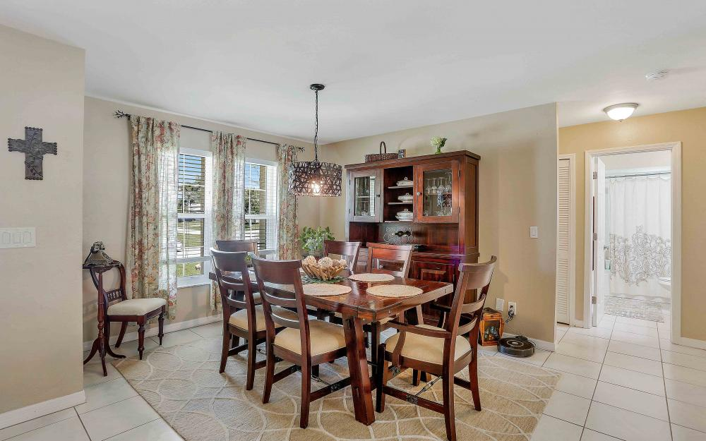 2302 SW 53rd Ter, Cape Coral - Home For Sale 799361194