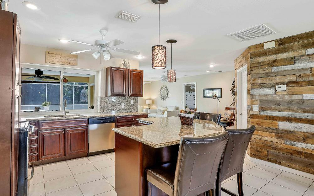 2302 SW 53rd Ter, Cape Coral - Home For Sale 2110402517