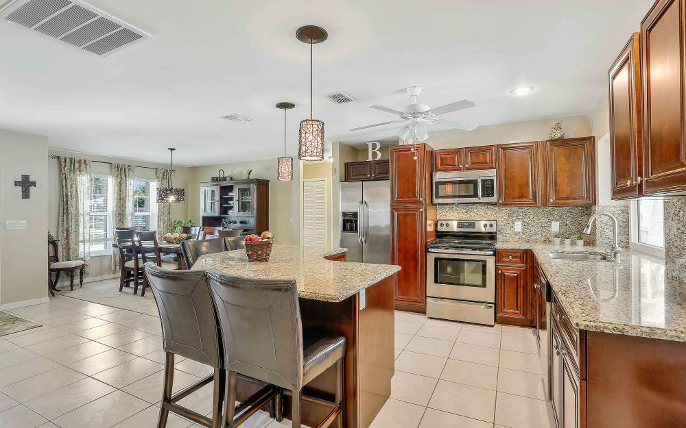 2302 SW 53rd Ter, Cape Coral - Home For Sale 383790975
