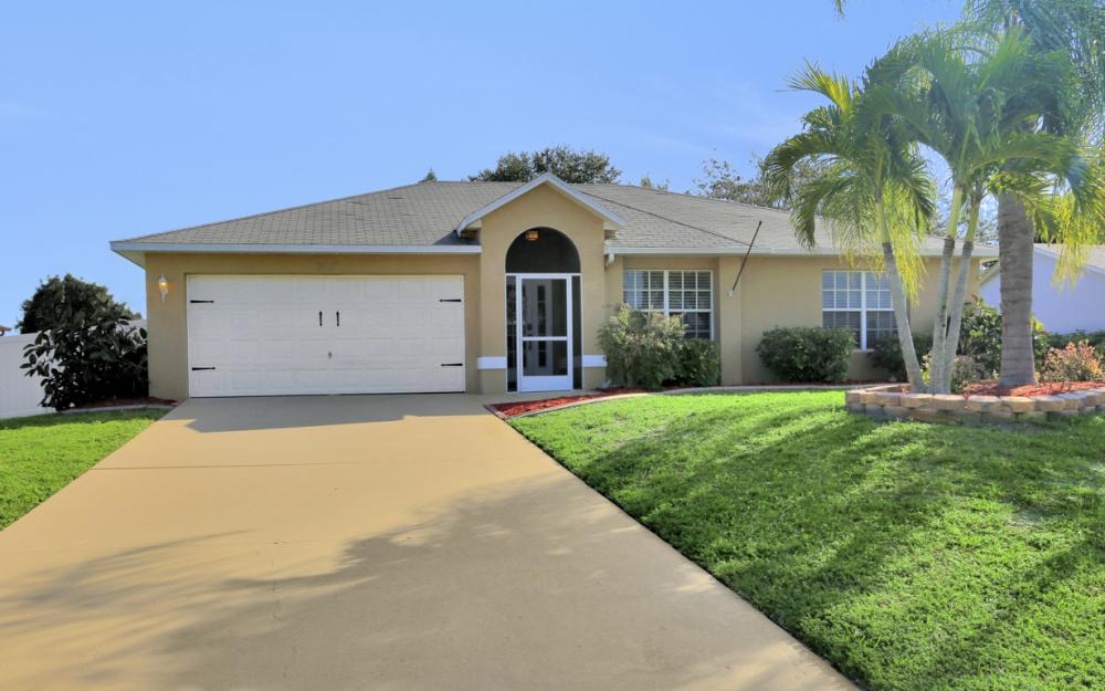 3527 SW 12th Ave, Cape Coral - Home For Sale 506510725