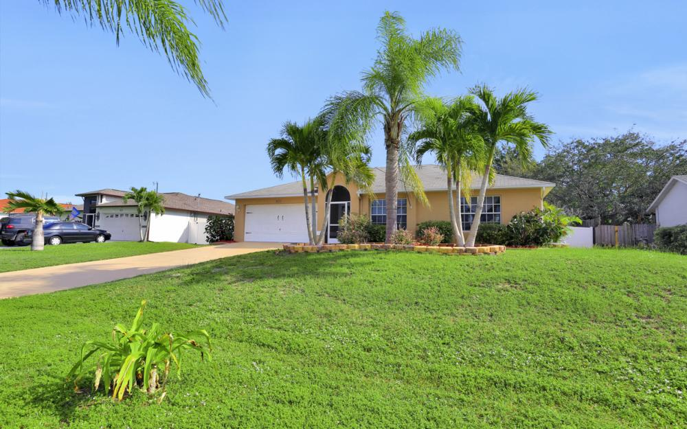 3527 SW 12th Ave, Cape Coral - Home For Sale 951270533