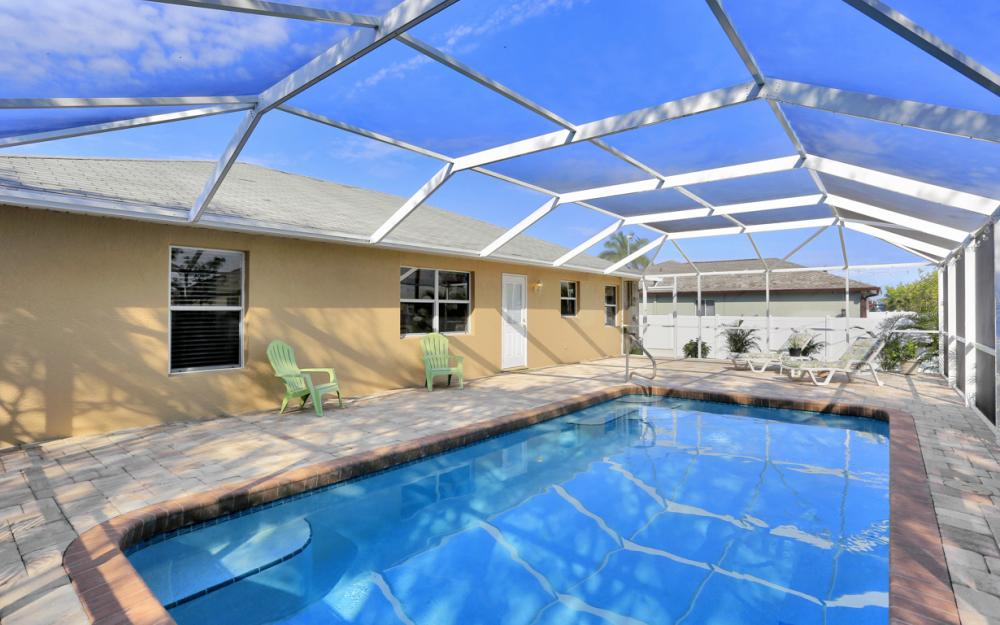 3527 SW 12th Ave, Cape Coral - Home For Sale 86778292