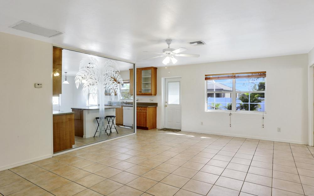 3527 SW 12th Ave, Cape Coral - Home For Sale 413387974