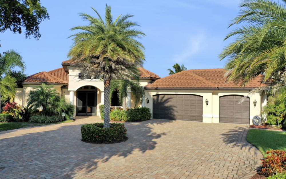 3920 Surfside Blvd, Cape Coral - Luxury Home For Sale 1970700477