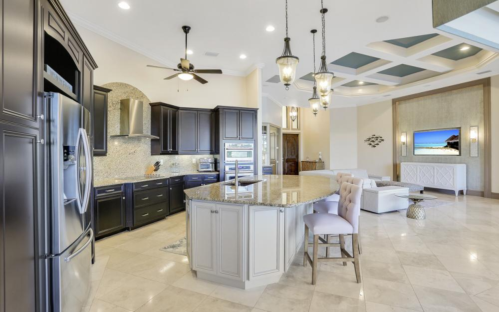 3920 Surfside Blvd, Cape Coral - Luxury Home For Sale 337592539