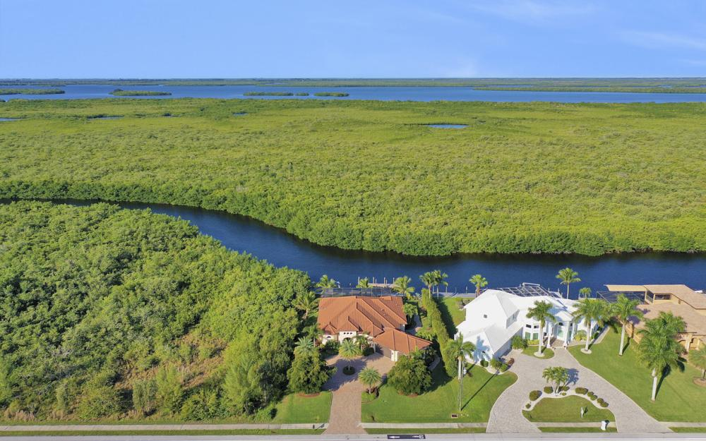 3920 Surfside Blvd, Cape Coral - Luxury Home For Sale 1454333430