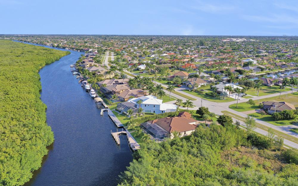 3920 Surfside Blvd, Cape Coral - Luxury Home For Sale 1928791311