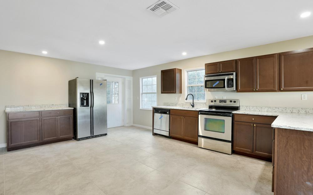 606 NW 3rd St, Mulberry - Home For Sale 1189005605