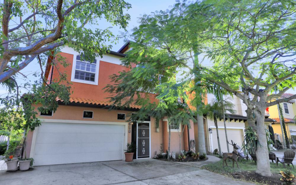 650 111th Ave N, Naples - Home For Sale 285026657