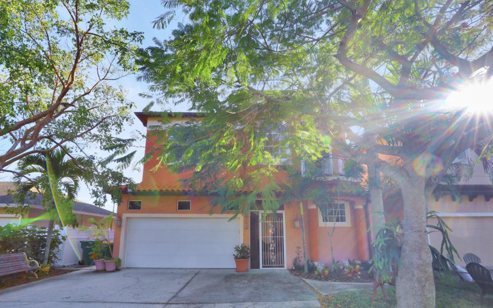650 111th Ave N, Naples - Home For Sale 205361886