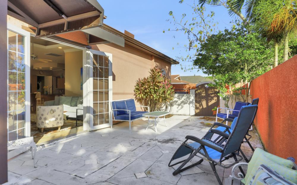 650 111th Ave N, Naples - Home For Sale 358110164