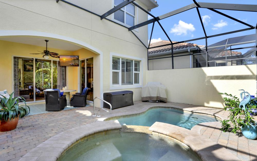 5749 Mango Cir, Naples - Home For Sale 604660223