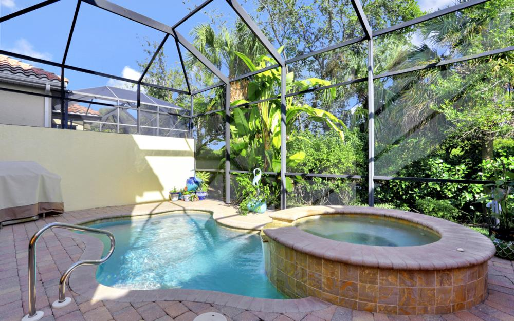 5749 Mango Cir, Naples - Home For Sale 704299431