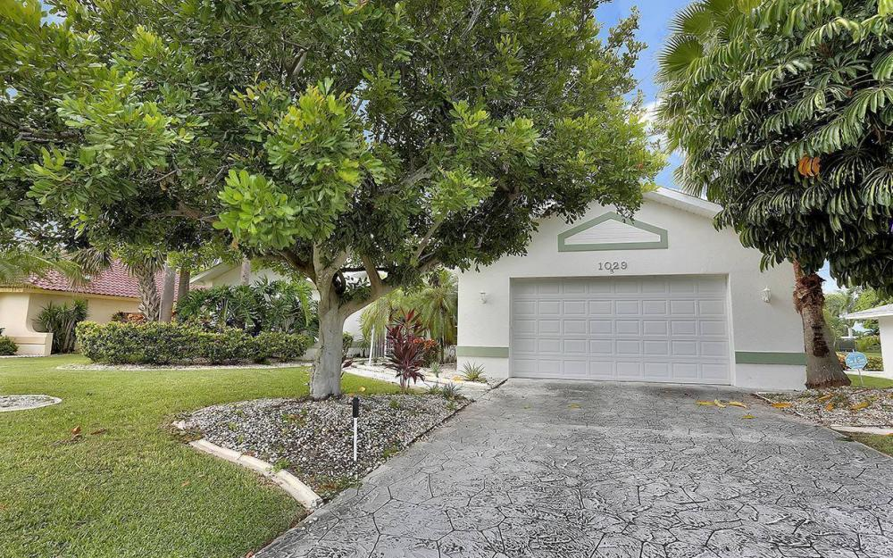 1029 SE 36th Ter, Cape Coral - House For Sale 646338914