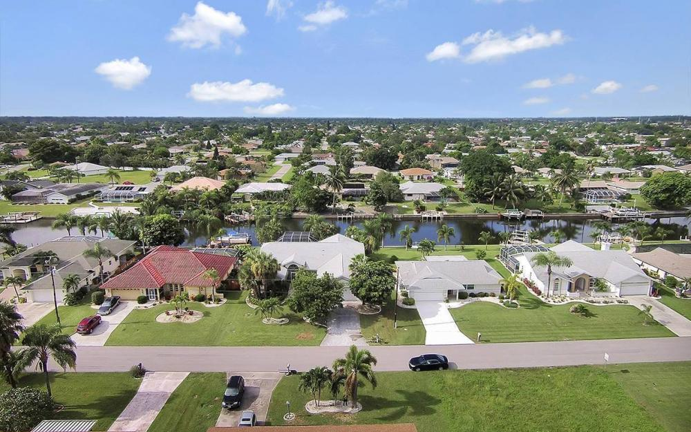1029 SE 36th Ter, Cape Coral - House For Sale 790771994