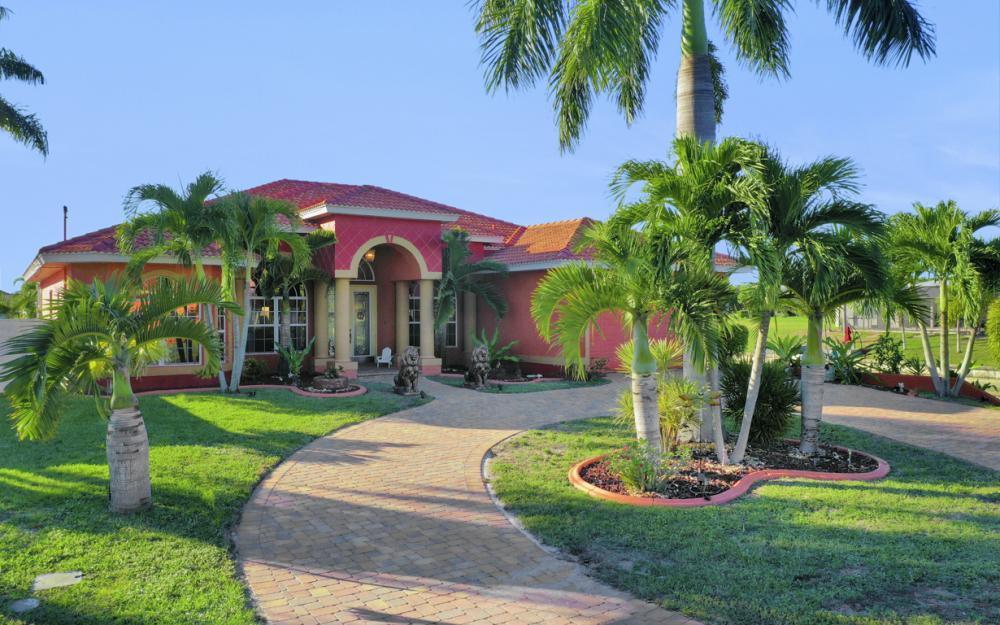2102 SE 11th Pl, Cape Coral - Home For Sale 1247630305
