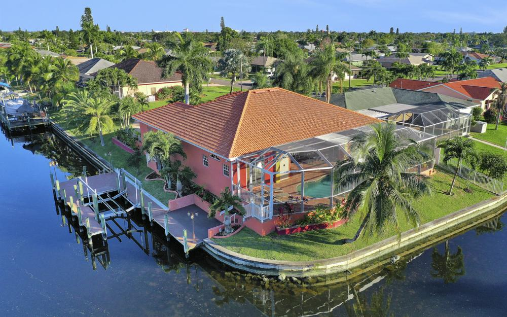 2102 SE 11th Pl, Cape Coral - Home For Sale 1112553859