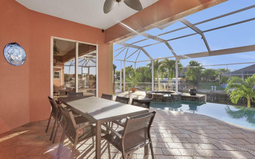 2102 SE 11th Pl, Cape Coral - Home For Sale 485101019