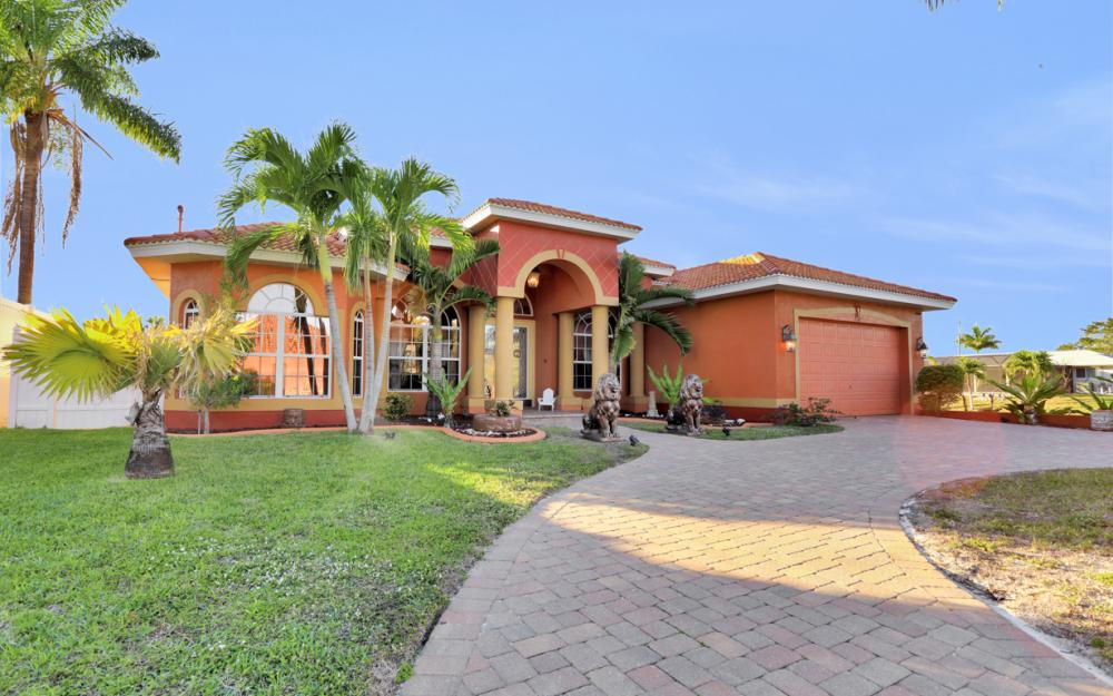 2102 SE 11th Pl, Cape Coral - Home For Sale 1849199035