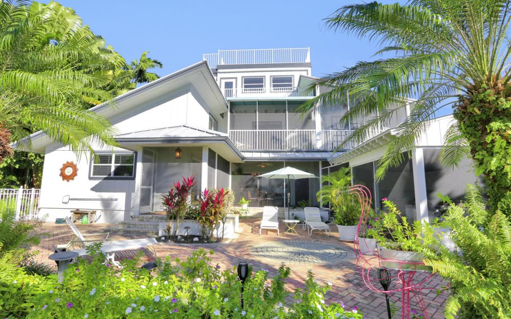 1154 Vernon Pl, Marco Island - Home For Sale 237160758