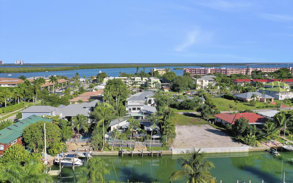 1154 Vernon Pl, Marco Island - Home For Sale 393412479