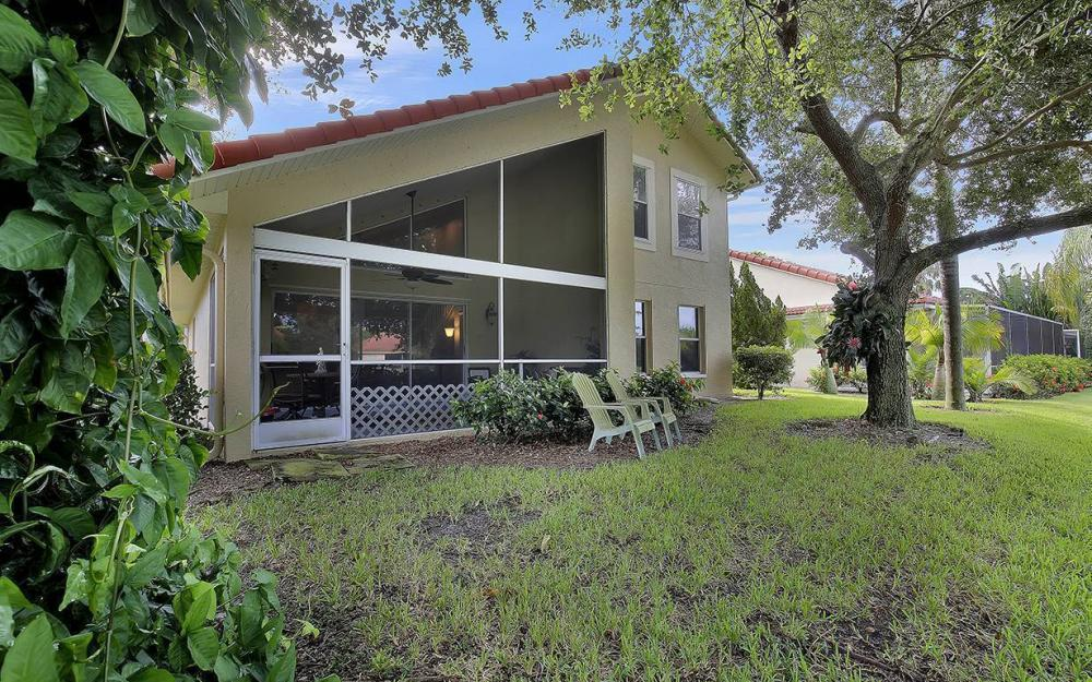 4849 Europa Dr, Naples - House For Sale 87808745