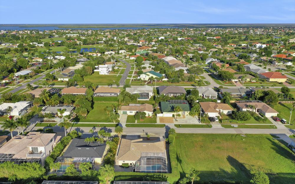 232 Tahiti Rd, Marco Island - Home For Sale 1238057654